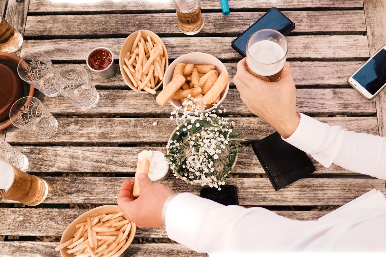 Chips and beer at Oxfordshire wedding
